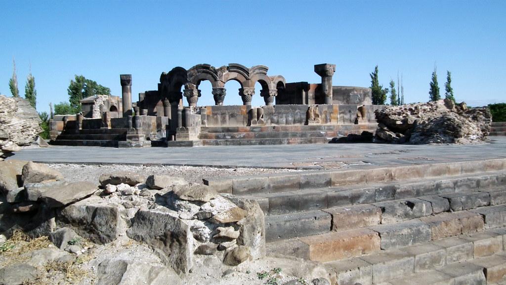 Vista de la Catedral Zvartnots Armenia Patrimonio de la Humanidad Unesco 04