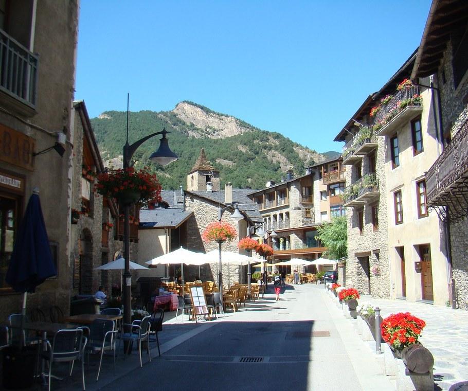 Ordino pueblo Andorra 01