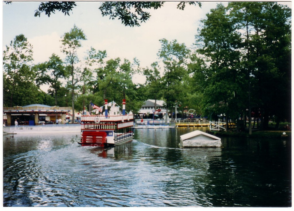 Show Boat On The Lake, Williams Grove Park - 1988