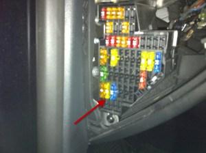 VW 2007 B6 Passat Driver Side Fuse Panel  an album on Flickr