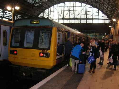Class 142 Pacer DMU, Manchester Piccadilly, post-rush hour