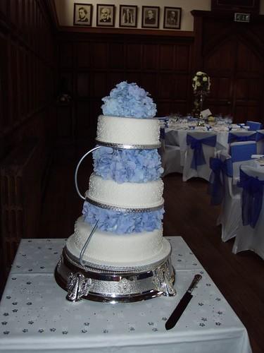 201008280143_wedding-cake