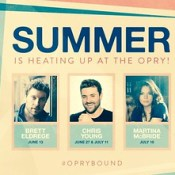 Martina mcbride and Brett Eldridge and Chris young at Grand ole opry this weekend 🎶👍❤️☝️👋🏆 remember  they are good people...