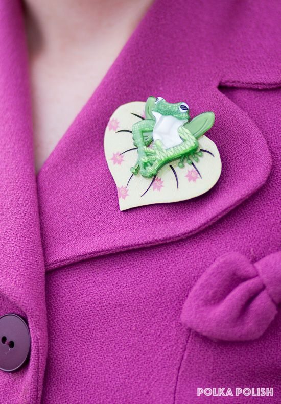 Erstwilder acrylic frog brooch on lilypad