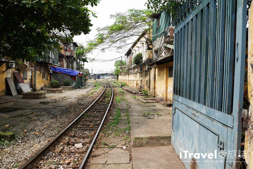《河内景点推荐》河内火车站:浓厚传统风情的铁道散策,体验沿线居民的生活日常
