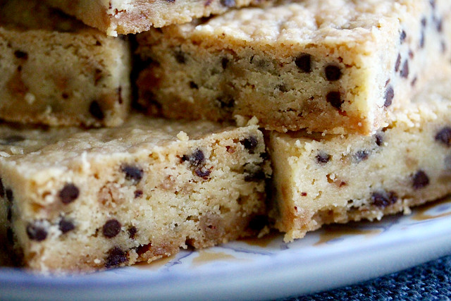 Choco Chip Toffee Shortbread Bars - 22