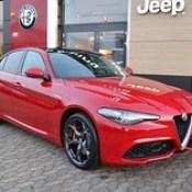 Fully loaded Rosso Alfa Giulia € 54.735,-