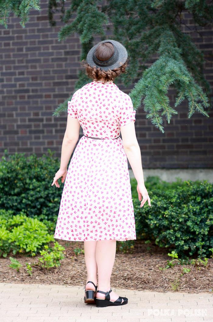 Sheer seersucker dress red white novelty print back