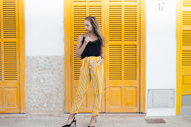 keltaiset housut1-2