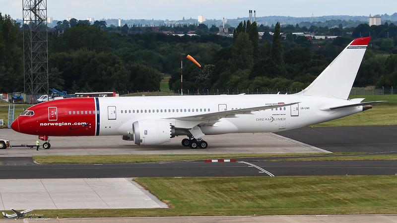 LN-LNC B788 Norwegian