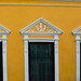 yellow house front Mérida