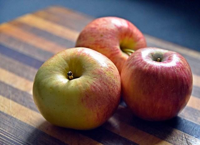 Lovely Organic Royal Gala Apples