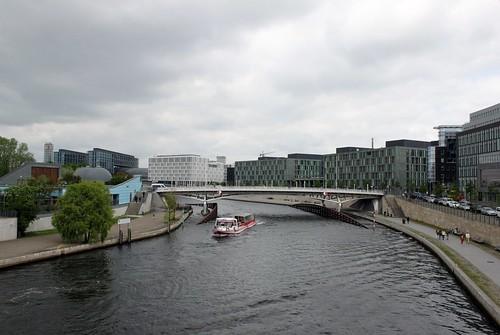 Auf dem Marie-Elisabeth-Lüders-Steg