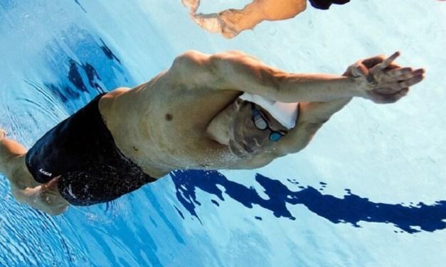 Guida pratica in 7 Step per migliorare la Subacquea a Delfino con l'allenamento a secco