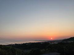 朝陽が昇る