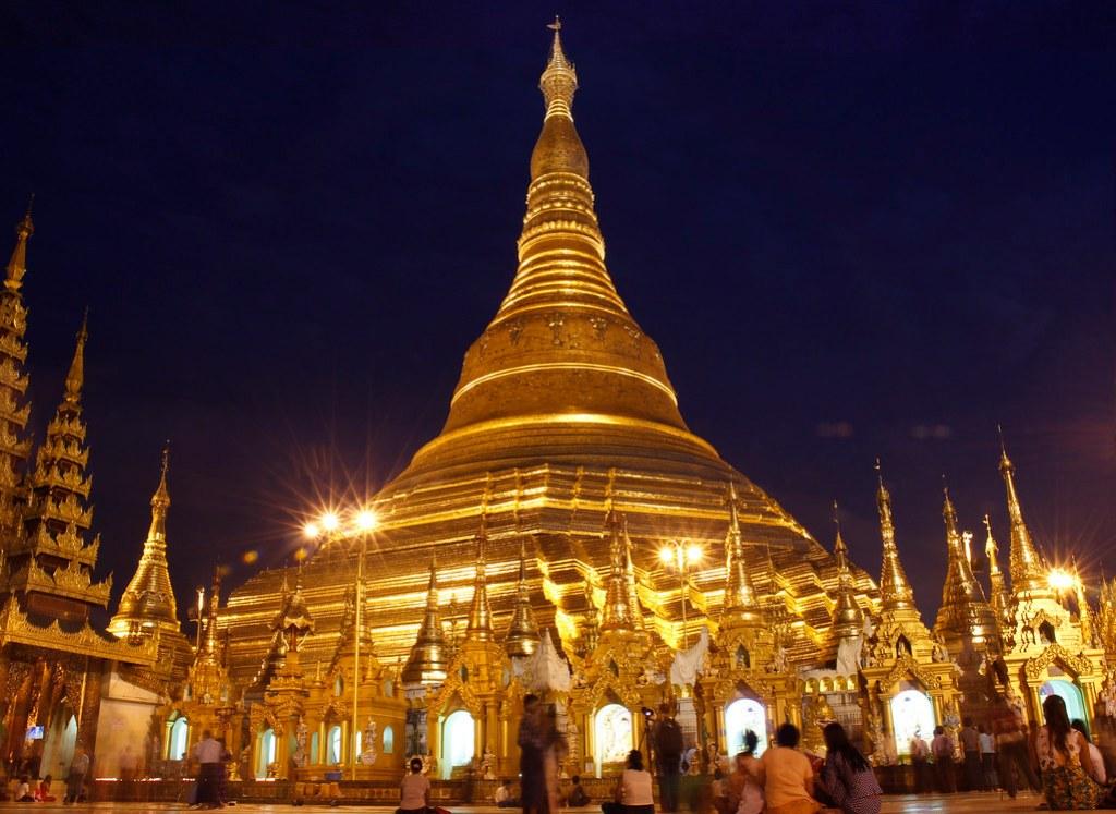 livet om natten i Yangon