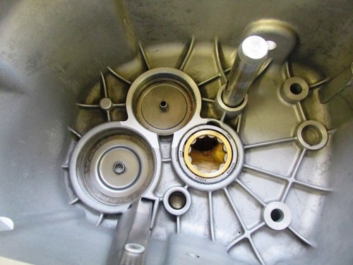 Input Shaft Outer Race Installed in Transmission Case