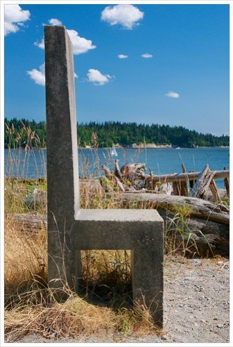 Monolithic chair