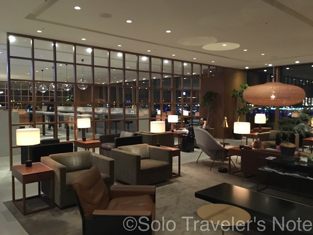 HND Cathay Lounge 201707-06