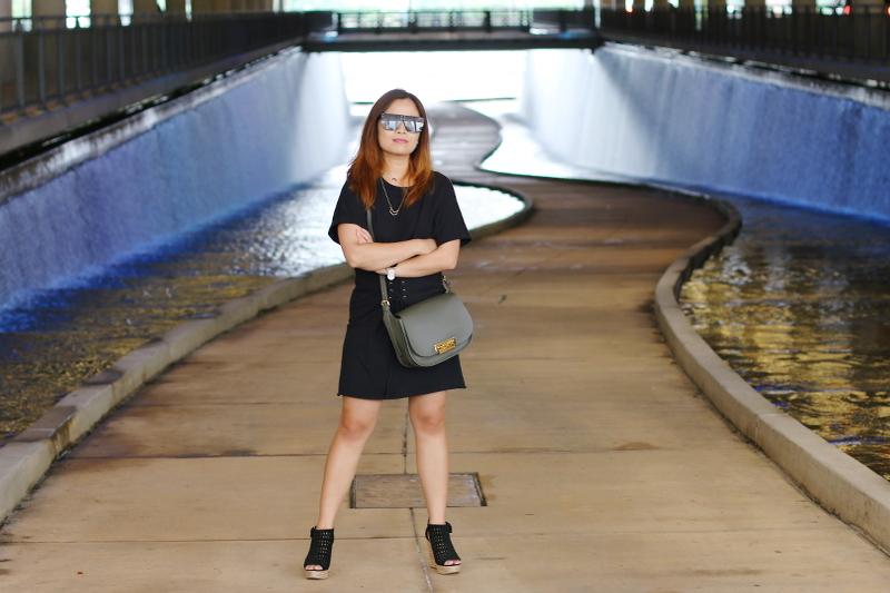 black-shirt-dress-quay-sunglasses-zac-posen-bag-8