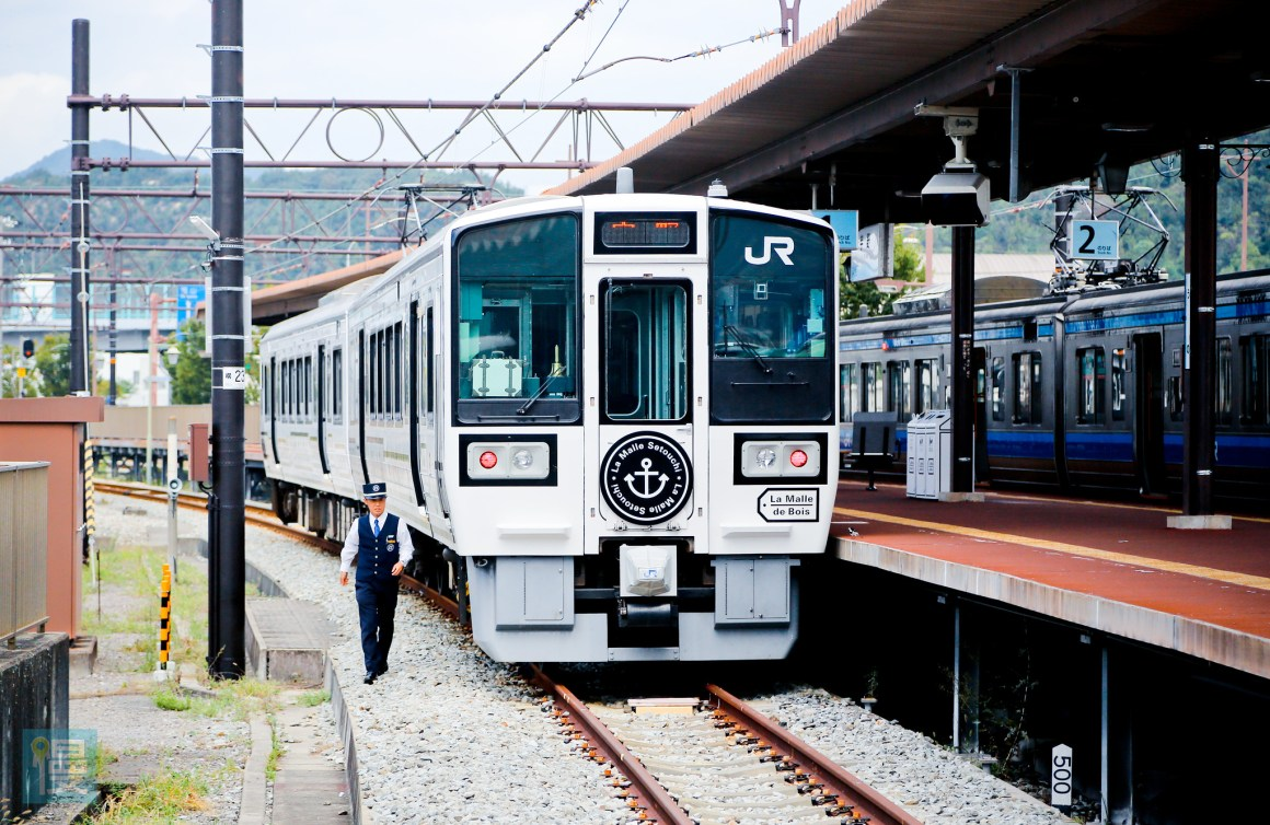 岡山出發文青藝術風的JR觀光列車 2016-272