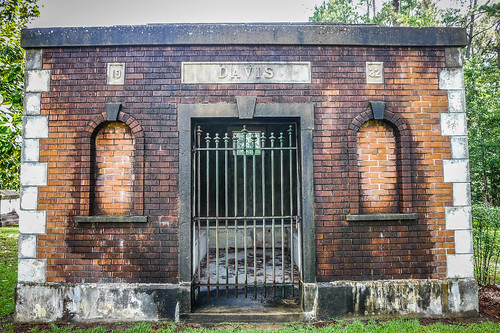 Davis Mausoleum-001