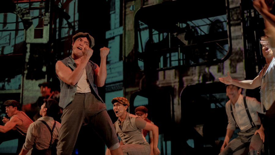 Globe Live & 9 works Disney The Newsies (5 of 41)