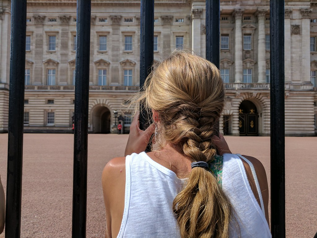 Getting a closer look at Buckingham Palace