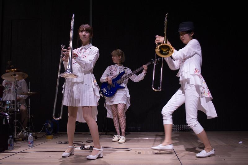 Concierto y entrevista a las Tokyo Brass Style
