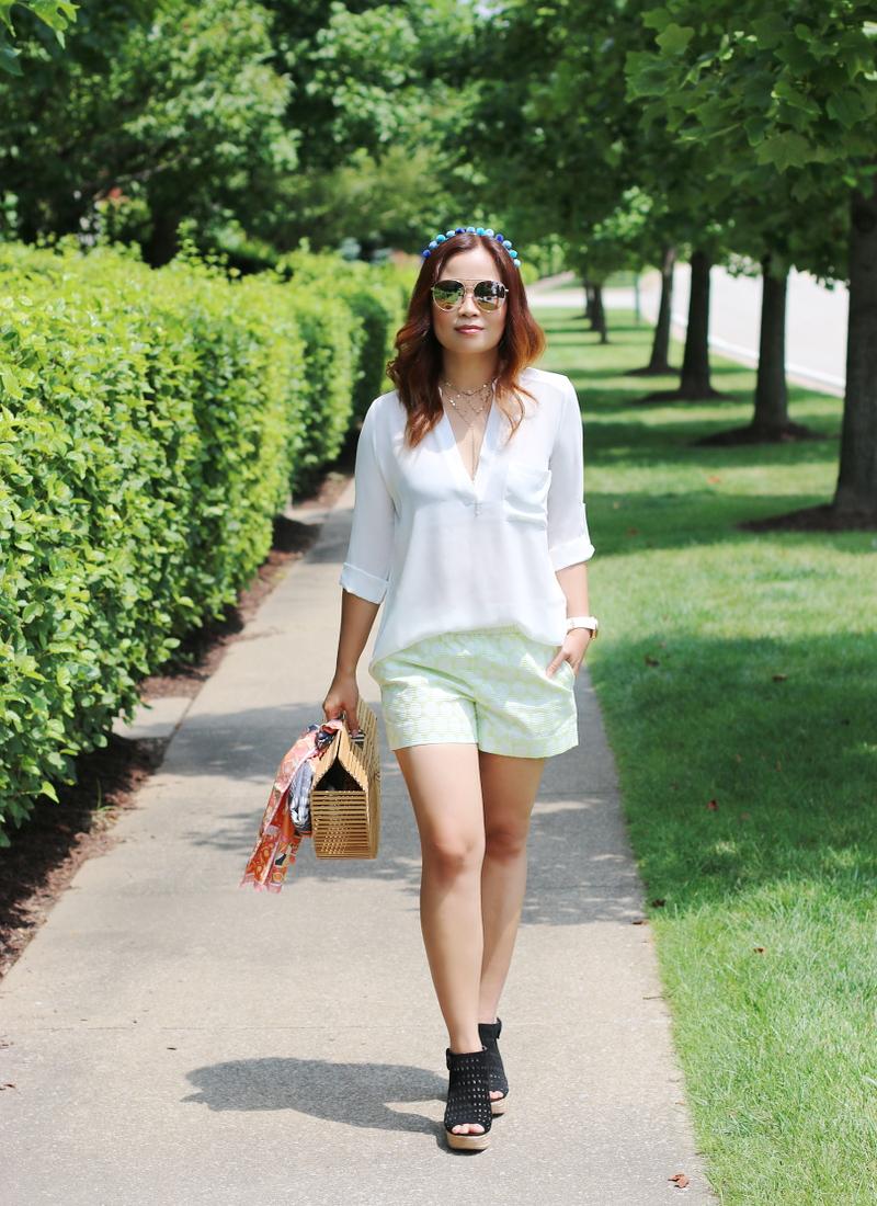 white-tunic-shorts-wedges-pom-pom-headband-9