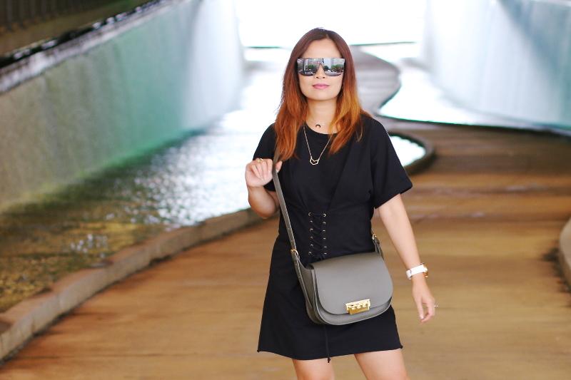 black-shirt-dress-quay-sunglasses-zac-posen-bag-5