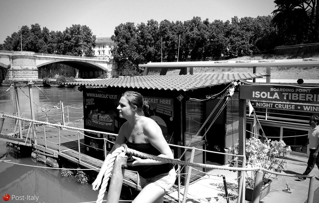 Passeio de barco pelo Tibre