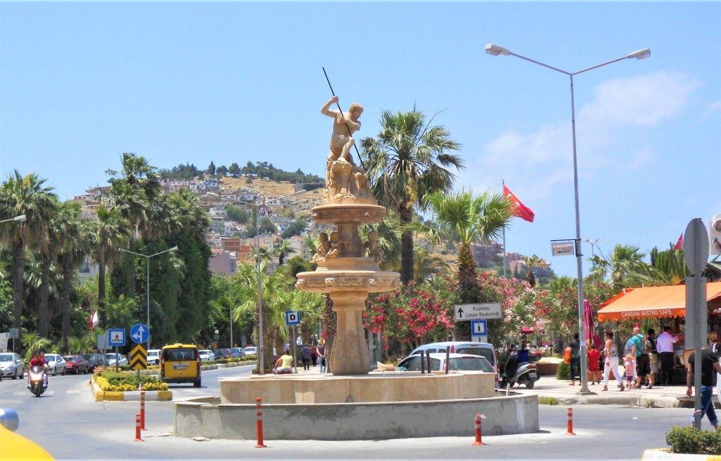 Kuşadası, Poseidon statue