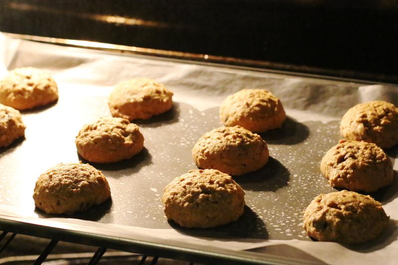pumpkin-cookies-baking-oven-6