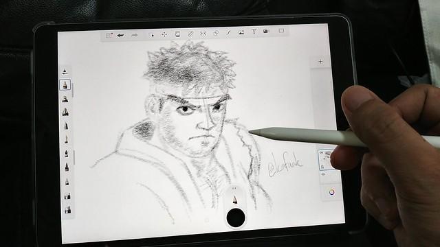 """วาดรูปเล่นด้วย iPad Pro 10.5"""" และ Apple Pencil"""