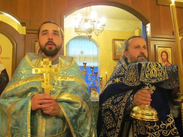 отец Владимир и отец Анатолий на праздничном богослужении