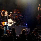 Keith Urban Experience Featuring Farren Jones - RSL Club Southport - Sep 09, 2017.