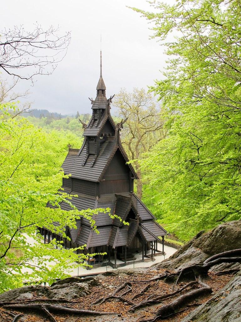 church-1064108_1920