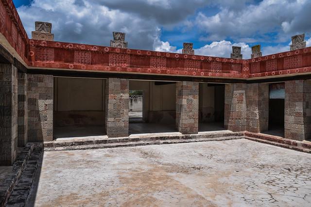 Courtyard of Palacio de Quetzalpapalotl