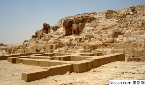 7-The-only-remaining-rows-of-stone-blocks_710_421