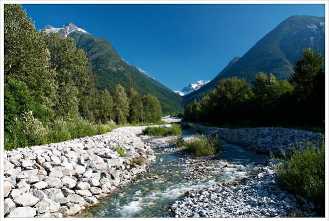 Nooklikonnik Creek
