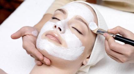 Masker tepung beras, cara alami memutihkan wajah dengan cepat
