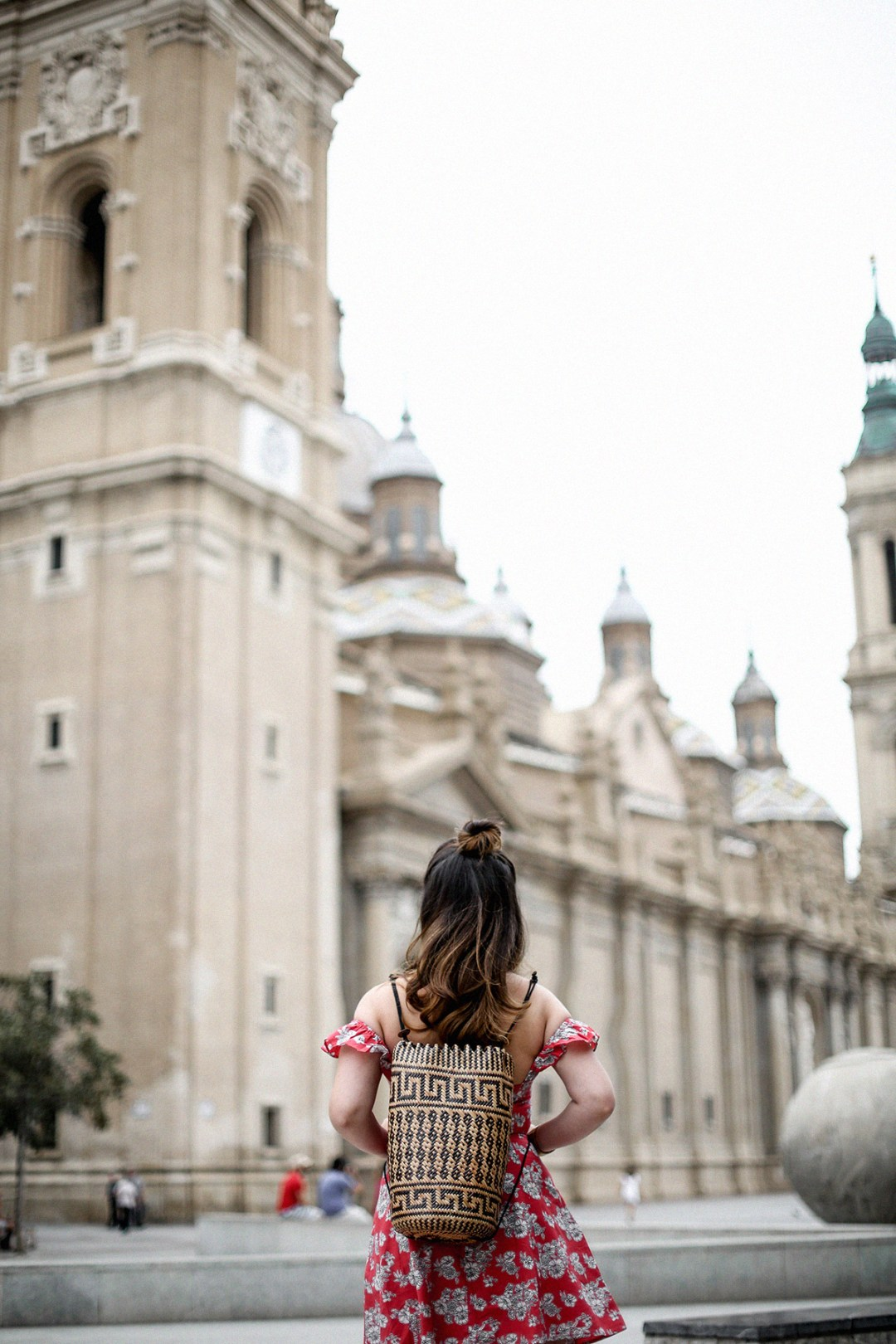 vestido-hombros-al-aire-asos-mochila-ratan-zaragoza-travel6