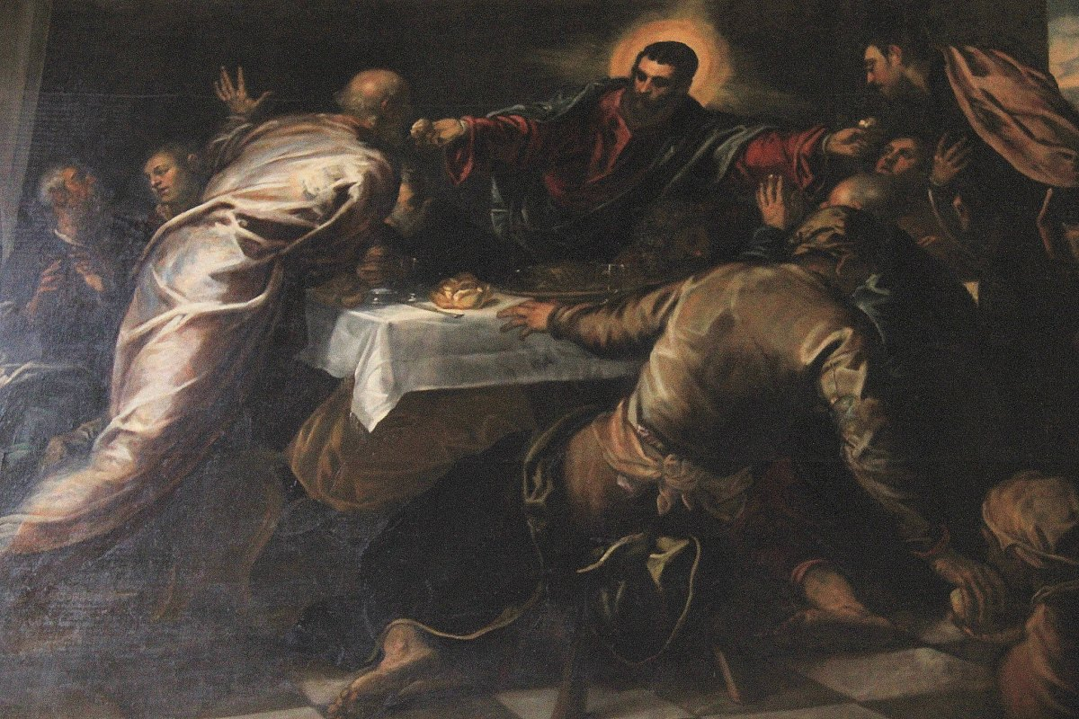 Grand masters like Titian and Tintoretto have left their work throughout churches and palaces of Venice