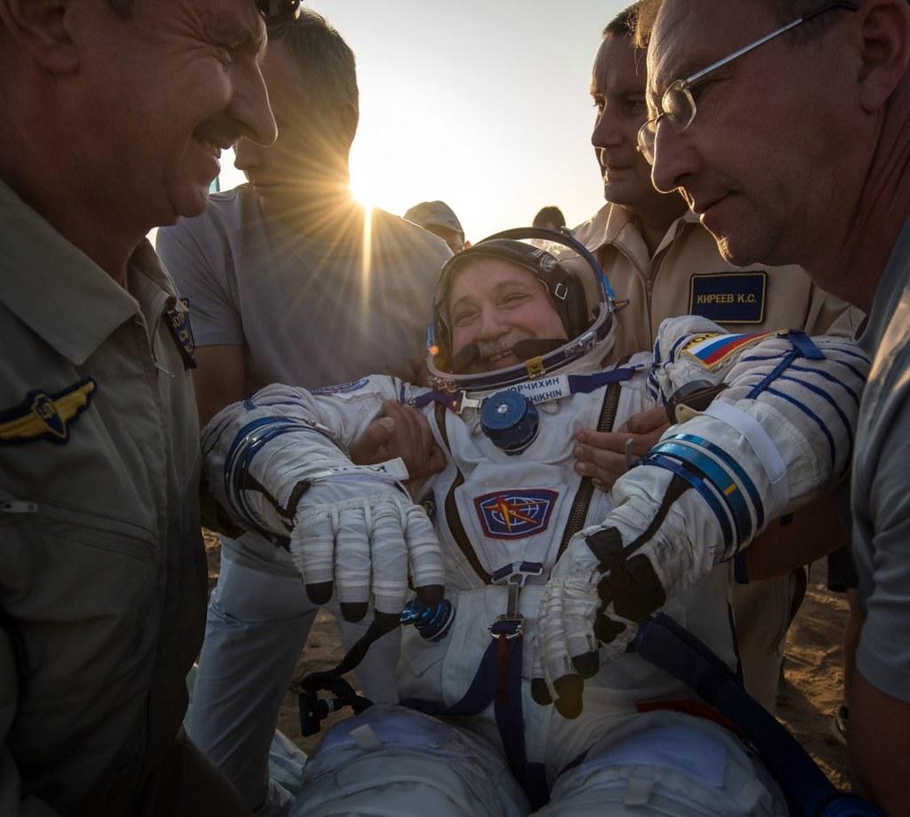 Expedition 52 Soyuz MS-04 Landing (NHQ201709030005)