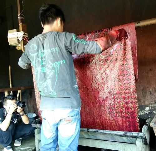 Pencelupan batik