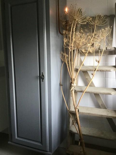 Berenklauw kast trap badkamer
