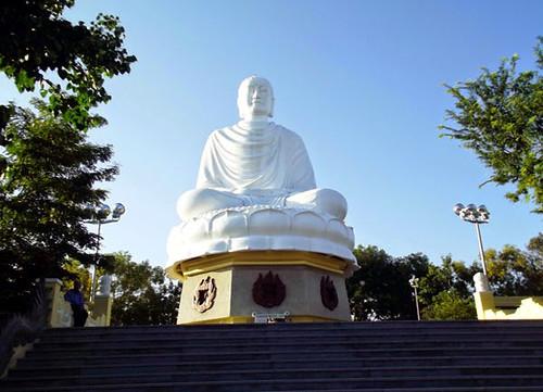 tuong-phat-trang-chua-long-son