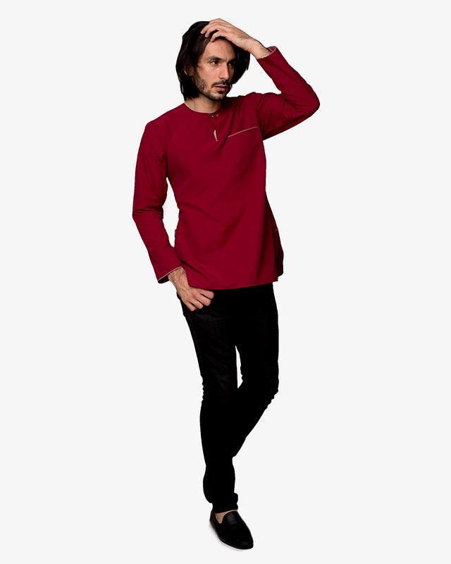 kurta-teluk-belanga-indoor-maroon-pose