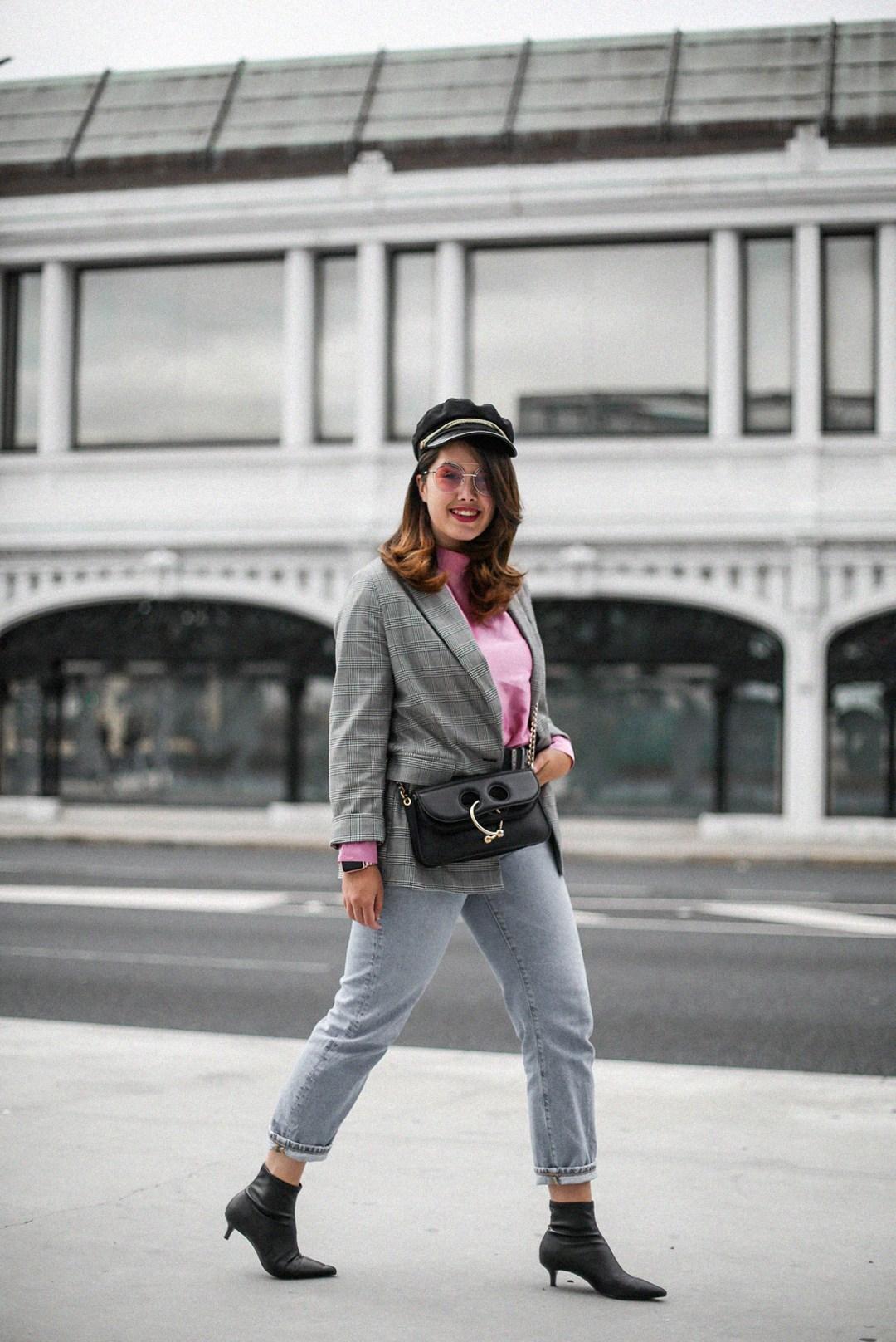 blusa con hombreras rosa asos look back to 80s-4